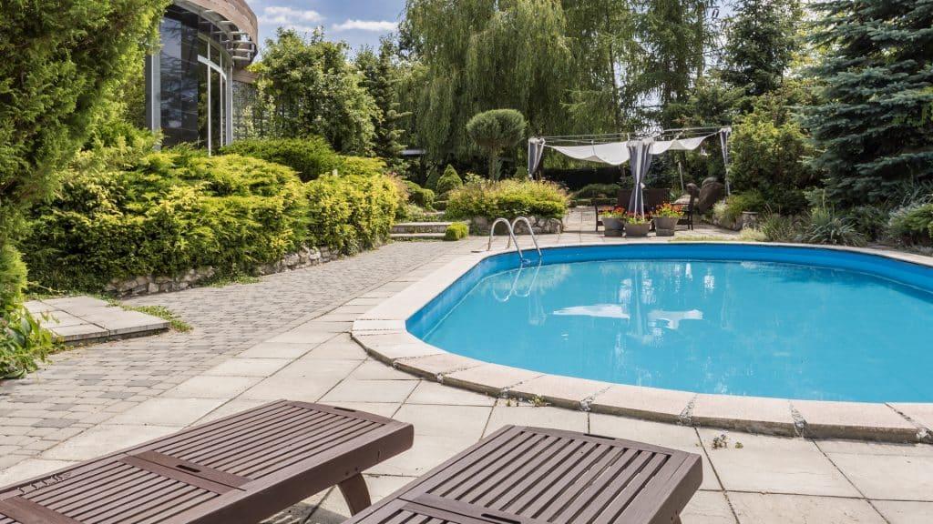 Quelle piscine pour petit terrain ?